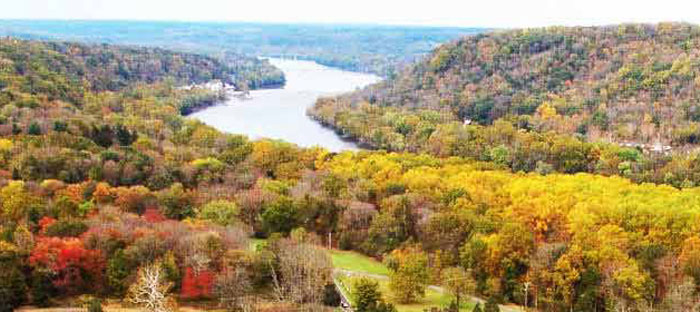 Fall is a wonderful time to enjoy shopping, dining, and the wonderful sights in Warminster, Bucks County PA